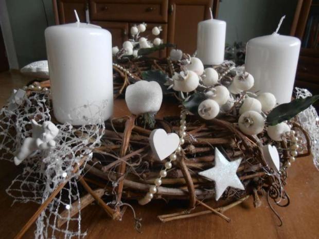 v bielom, Vianočné dekorácie