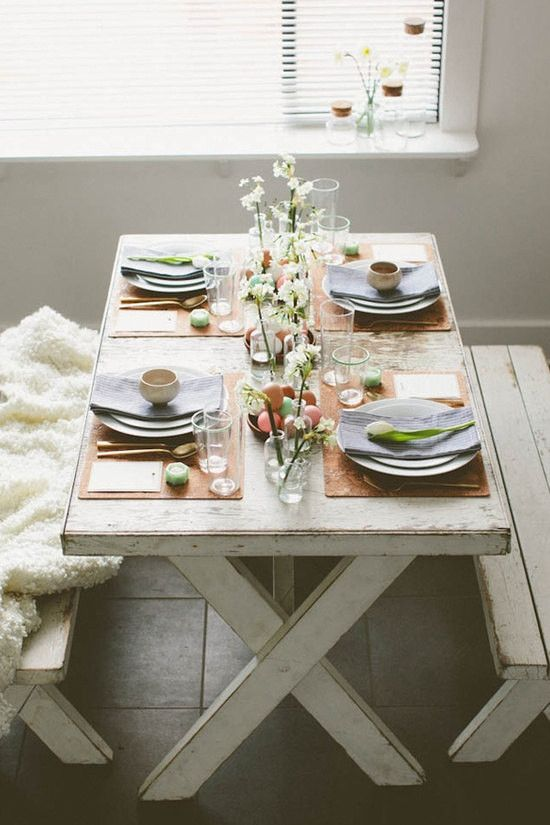 Gorgeous table setting | Take a Walk on the Wooden Side: Decorate with Faux Bois