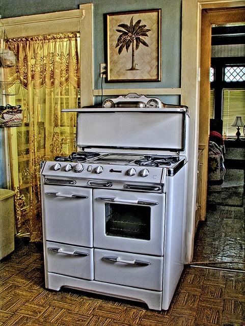 1948 o 39 keefe and merritt kitchens vintage appliances and stove. Black Bedroom Furniture Sets. Home Design Ideas
