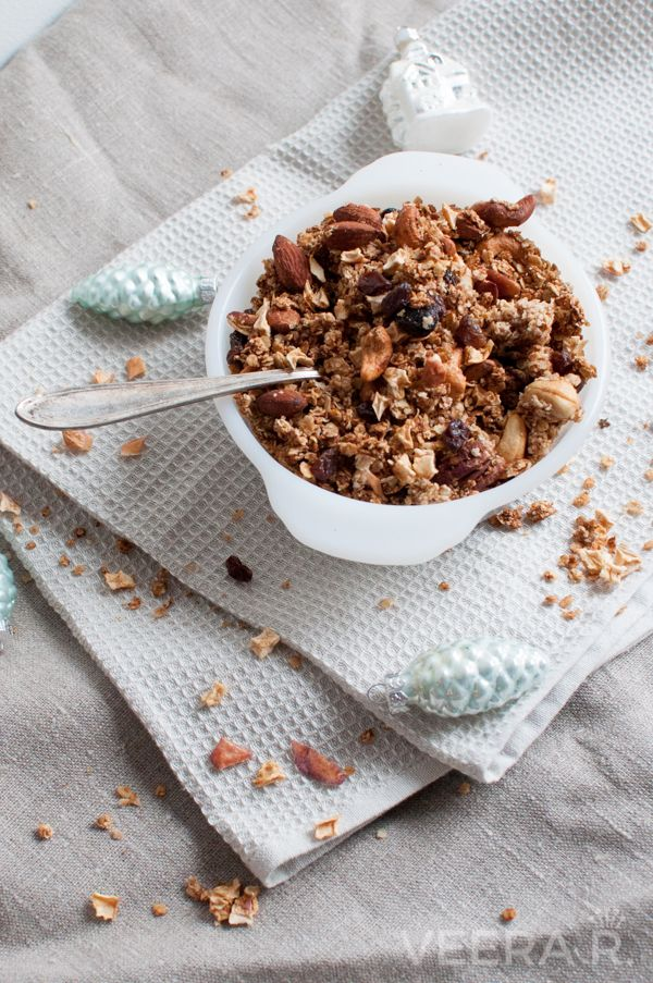 Home made sugar free apple granola makes a hearty breakfast packed with fiber, proteins and good fats.