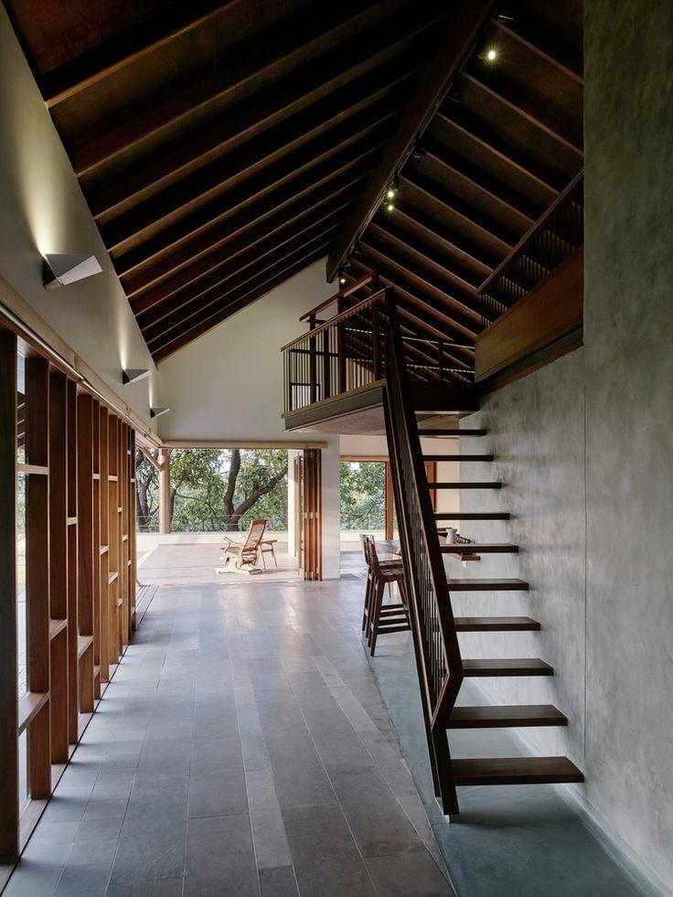 House in Khandala / Opolis architects