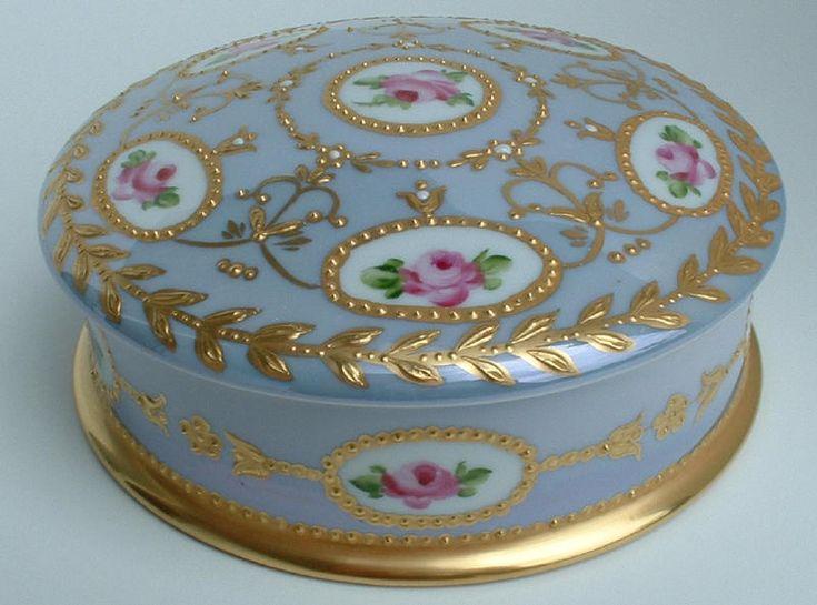 Limoges powder box