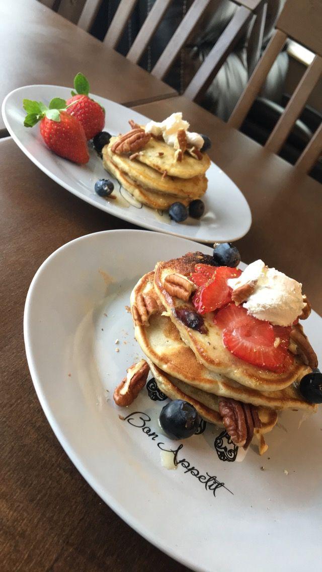 Sugar free pancakes, sweetened with banana