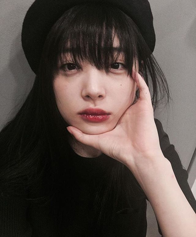 Sulli is not a member anymore but i still adore her ♡