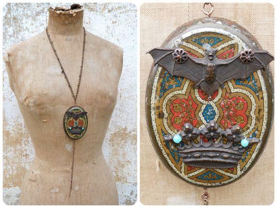 Comte Dracula long sautoir necklace assemblage by cielmesbijoux
