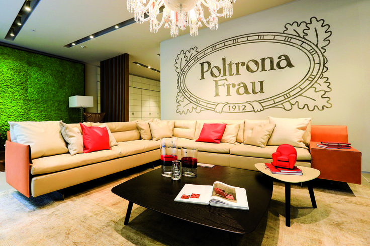 Poltrona Frau inaugurated its first flagship store in Shanghai on Tuesday, September 9th, 2014. The area of 370 sq.m. exposes its shop windows on Tongren Road, the popular road of Jing'An District.