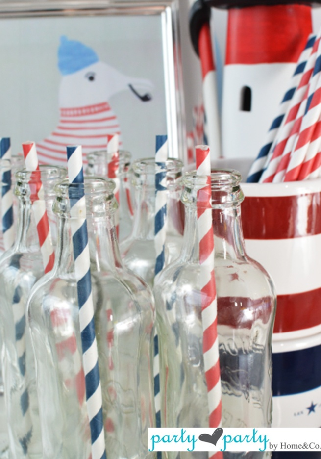Blue and Red paper straws!