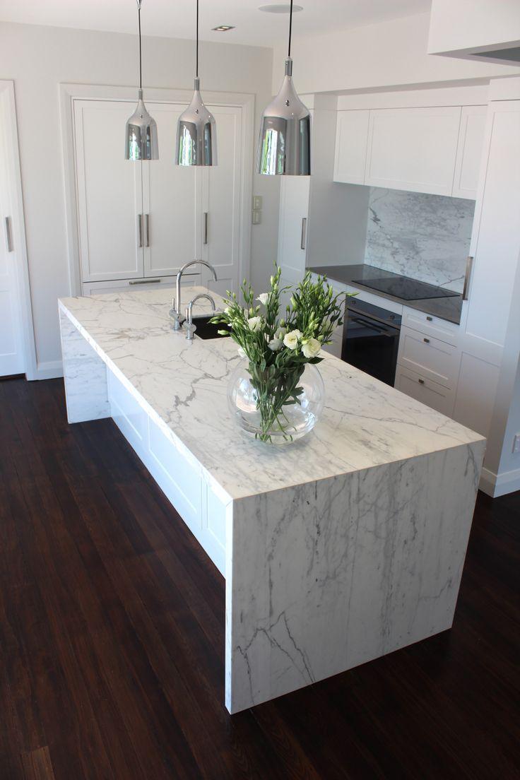 Resultado de imagen para carrara marble kitchen  cocinas