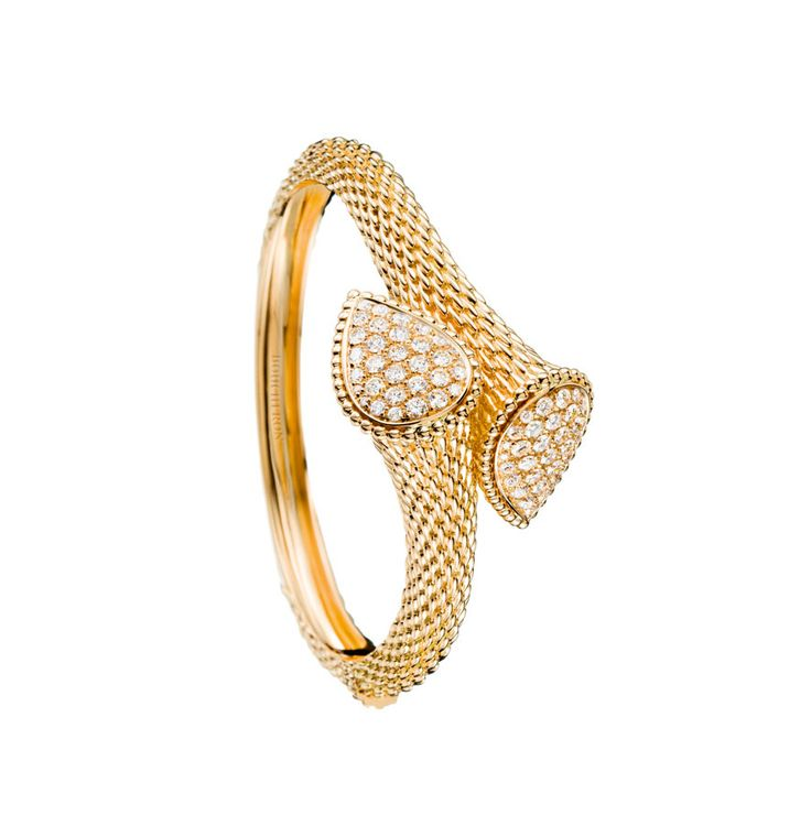 Bracelet Serpent Bohème de Boucheron http://www.vogue.fr/joaillerie/carnet-d-adresses/diaporama/boucheron-ouvre-son-hotel-particulier-rue-du-faubourg-saint-honore-paris/13873/image/771907#!3
