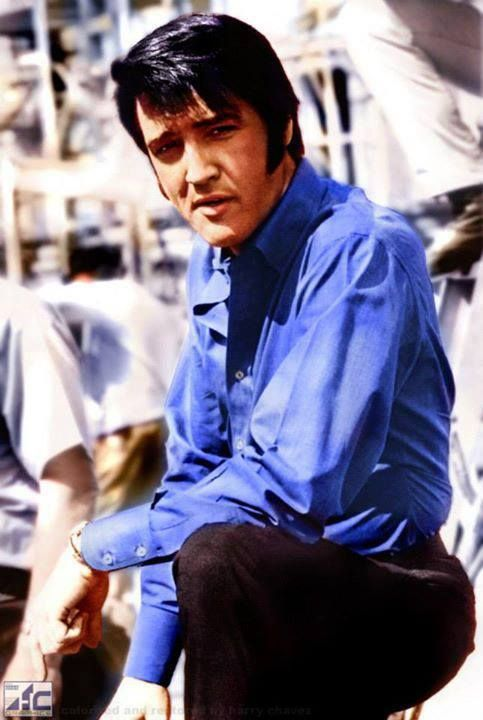 """( 2015...2016 † IN MEMORY OF ELVIS AARON PRESLEY ) † ♪♫♪♪ Elvis Aaron Presley - Tuesday, January 08, 1935 - 5' 11¾"""" - Tupelo, Mississippi, USA. Died; Tuesday, August 16, 1977 (aged of 42) Memphis, Tennessee, U.S. Resting place Graceland, Memphis, Tennessee, U.S. Education. L.C. Humes High School Occupation Singer, actor Home town Memphis, Tennessee, USA. Cause of death: (cardiac arrhythmia)."""