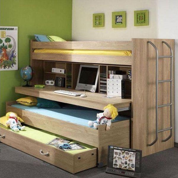 hoogslaper met bureau en logeerbed. Bunk bed with desk. #kinderkamer #nursery