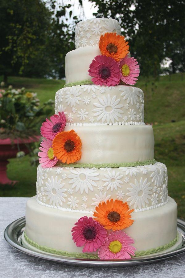 gerbera themed wedding cake