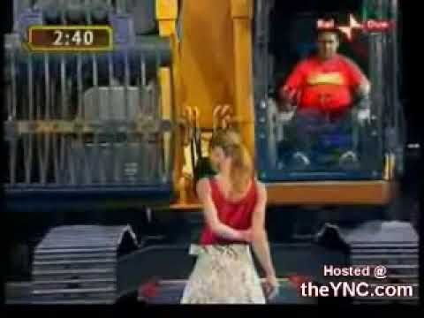 Wow, Amazing Operator, he is indeed a Genius! Unusual must see... 3195 huge excavator machine undresses girl in 5 minutes