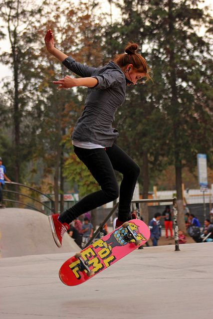 Yes girls can skateboard. Anyone who says otherwise, can you please rethink?