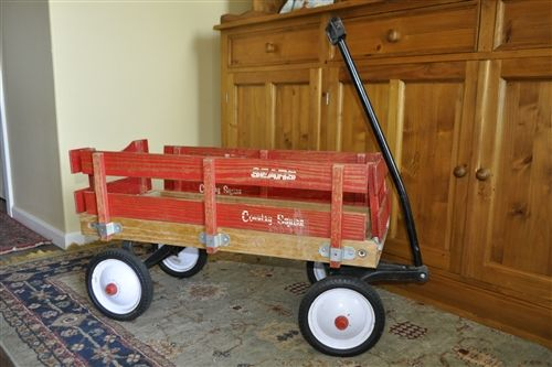 Vintage pull wagon Sears Country Squair, 1970s.