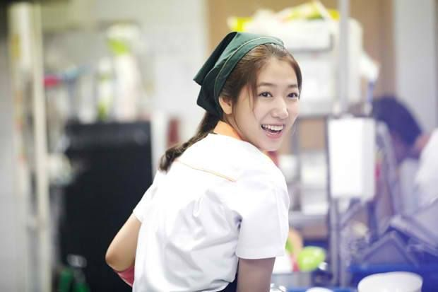 Park Shin Hye gets into character in teaser stills for 'The Heirs' ~ Latest K-pop News - K-pop News | Daily K Pop News