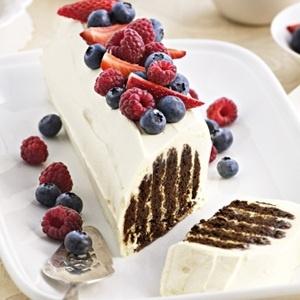 RECIPE - Christmas Chocolate Log Cake  http://gingko.co.za/delicious-healthy-recipes/