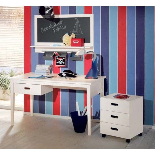 Welle Mobel Cello White Desk and Blackboard  http://furniture123.co.uk/cello-white-desk-cielo-desk-with-blackboard_17102