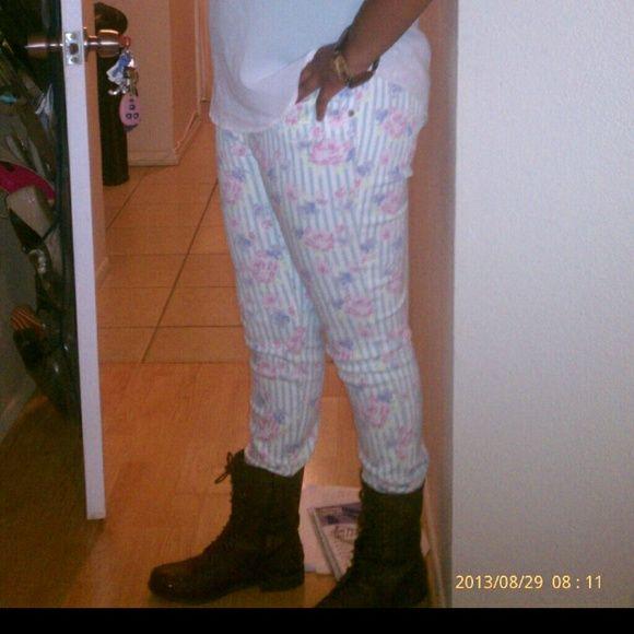 Flower and stripe stretch jeans Sz.11 Worn 3 times very stylish stretch jeans Pants