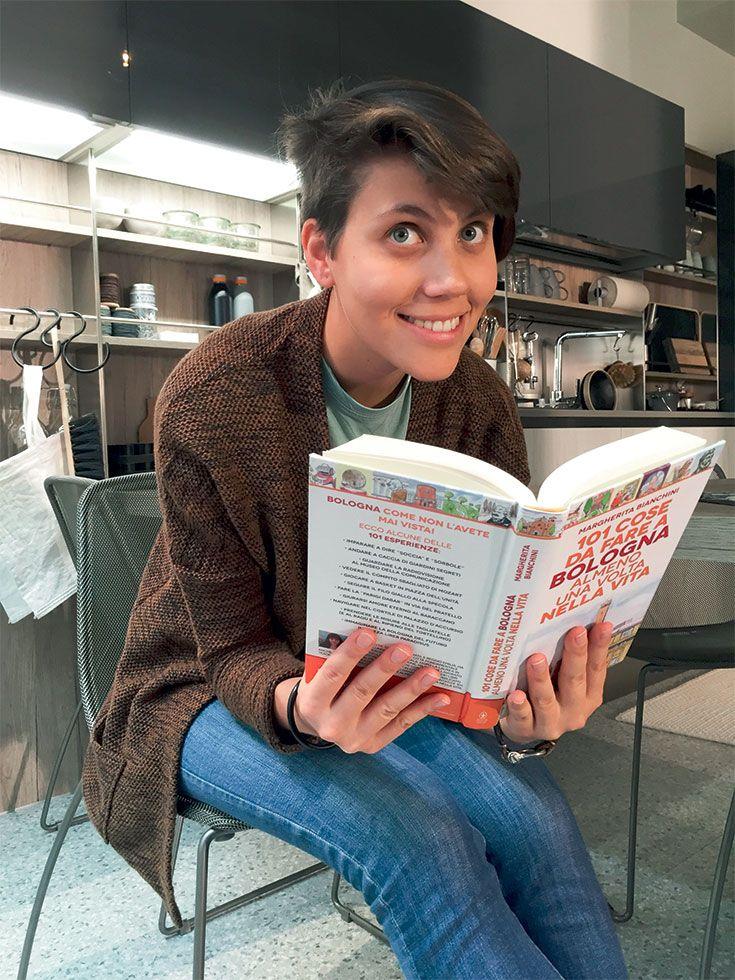 Ciao sono Laura! Ho ventiquattro anni, sono una studentessa di architettura all'ultimo anno. Sono nata e cresciuta a Bologna e oggi vivo in un appartamento vicino all'università.  #appsociety #album http://www.venetacucine.com/album/ita/app-society