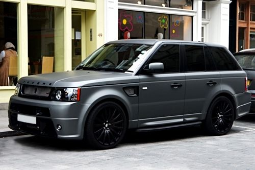Matte grey Range Rover. This is the car that I want, I like every thing about!! <3