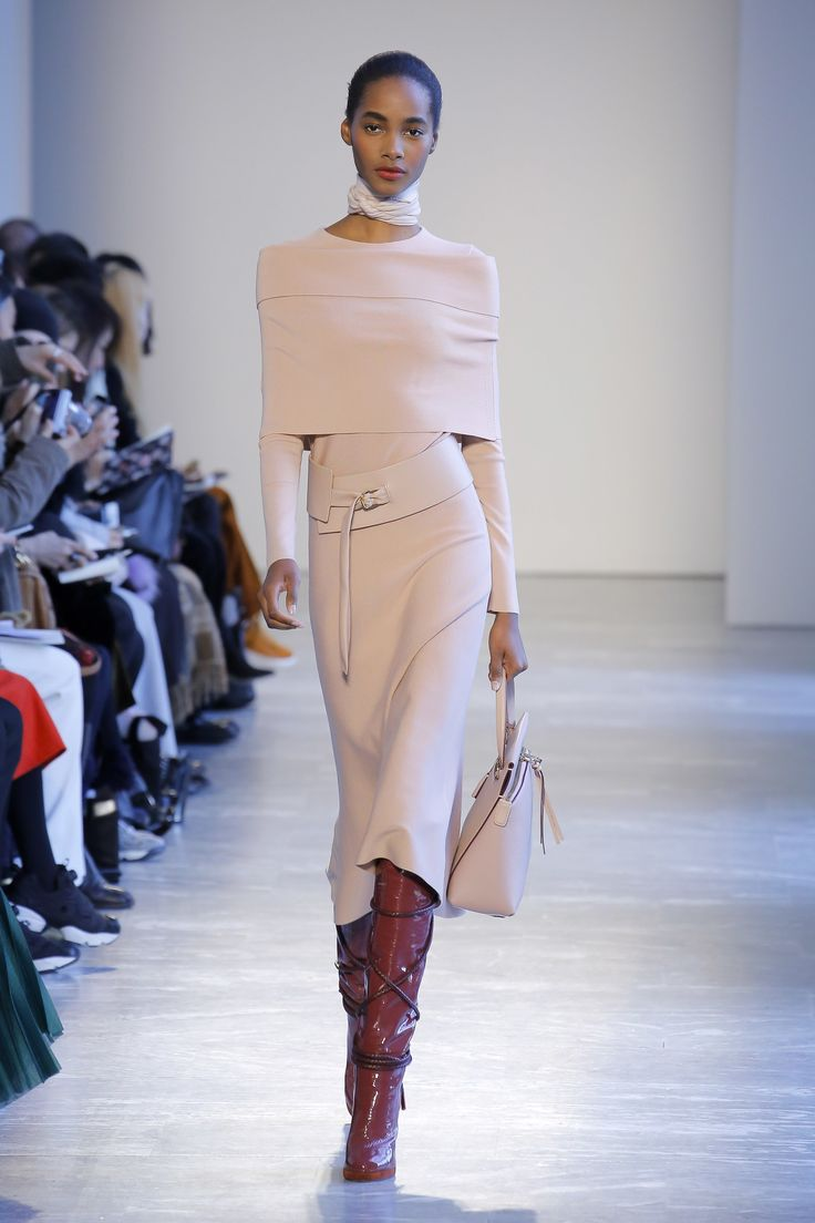 The complete Agnona Fall 2018 Ready-to-Wear fashion show now on Vogue Runway.