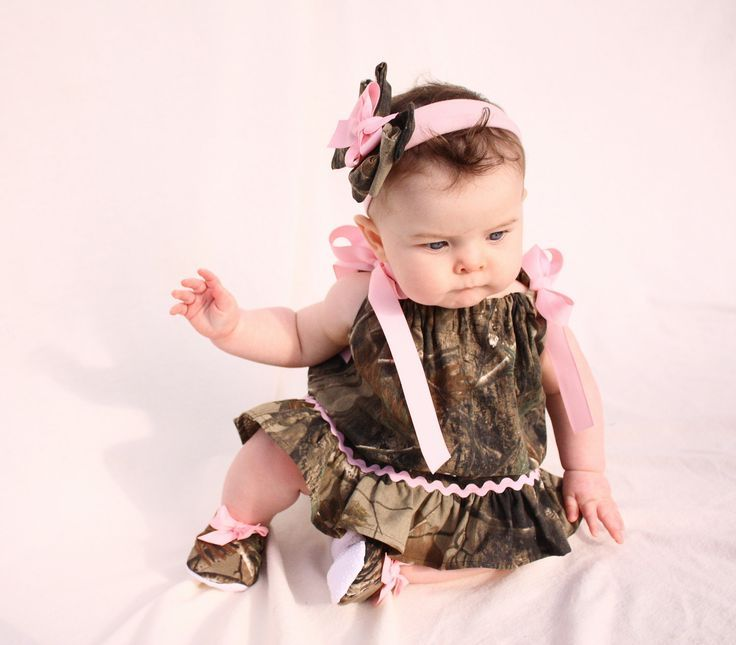 baby girl camo, realtree gift set, pillowcase dress, shoes, hair bow. $45.99, via Etsy.
