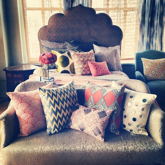 Bench at foot of bed pillows by jamie meares via flickr my pins pinterest i love love - Seat at foot of bed ...