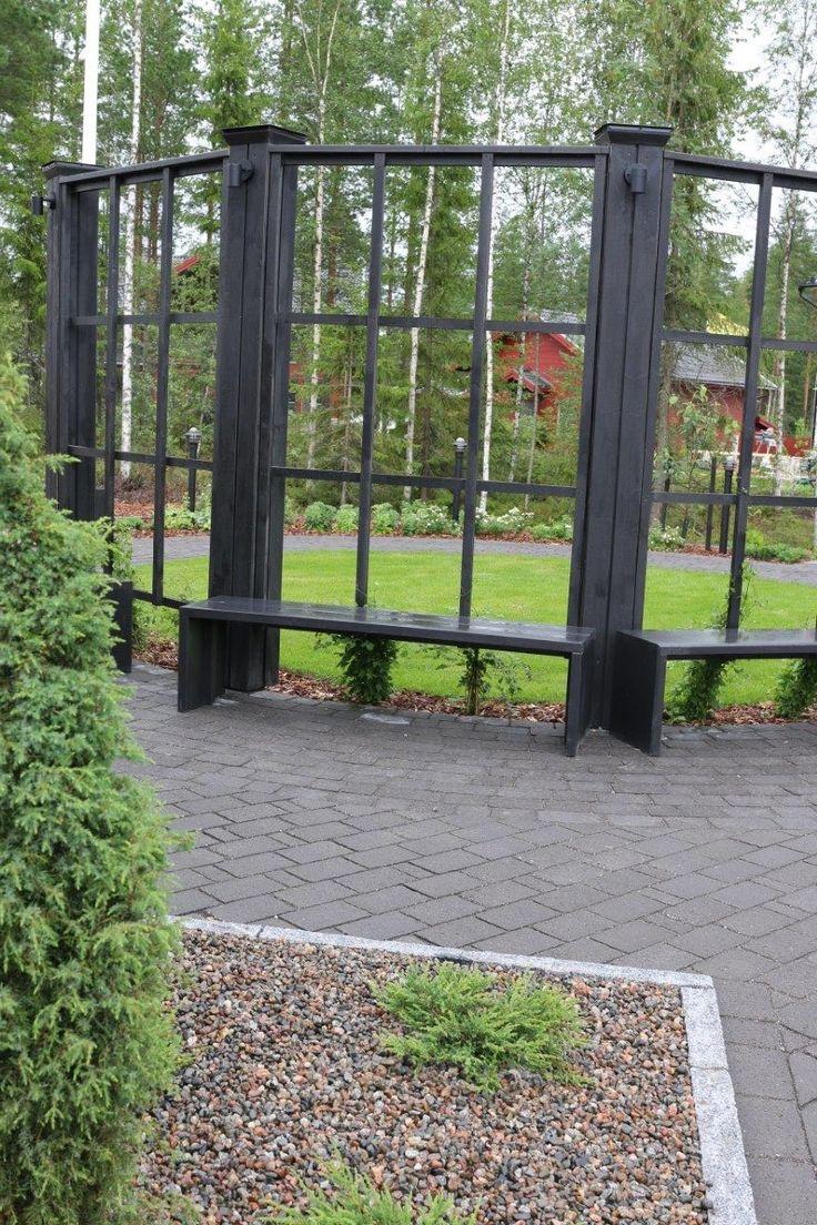 Asuntomessut Seinäjoki, Kannustalon Pohjanmaa talon piha. Onnikivi Antiikki musta ja Graniittireunakivi R80/250 http://www.rudus.fi/pihakivet