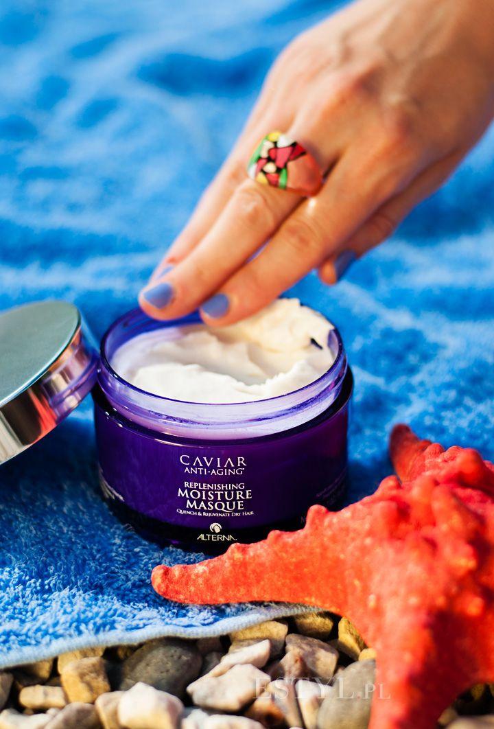 """Maska do włosów #Alterna #Caviar Replenishing Moisture #Masque jest zabiegiem silnie nawilżającym każdy rodzaj włosów. Kosmetyk wypełnia strukturę włosa, odmładza włosy kruche, dodając im miękkości i blasku. Polecam kosmetyk włosom suchym i odwodnionym, łamliwym, koloryzowanym i """"puchatym"""". Kosmetyk wchłania się we włosy niemal natychmiast, nie pozostawiając na powierzchni białych śladów."""