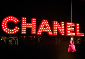 window display, chanel, bulb lit signage