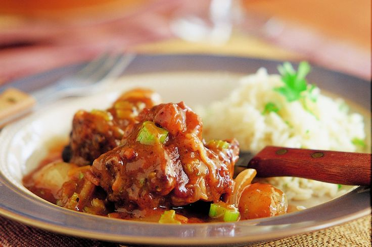 Rich 'N Robust Oxtail Potjie - Make delicious beef recipes easy, for any occasion