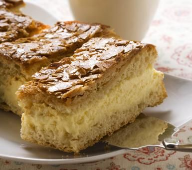 Bee Sting Cake - © Foodcollection/Getty Images