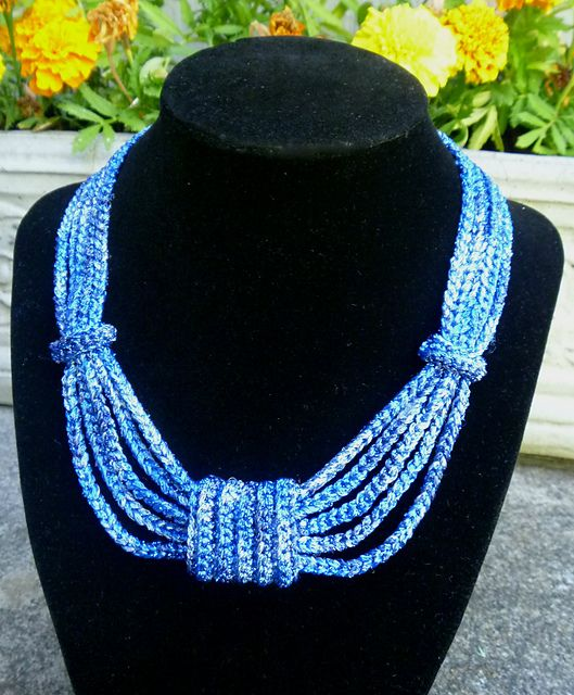#Crochet bow necklace free pattern from Premier Yarns (with matching crochet bracelet pattern)