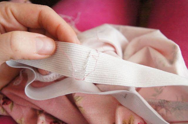 Wszywanie gumki do spodenek przy pomocy ściegu drabinkowego | Joanna Krzak