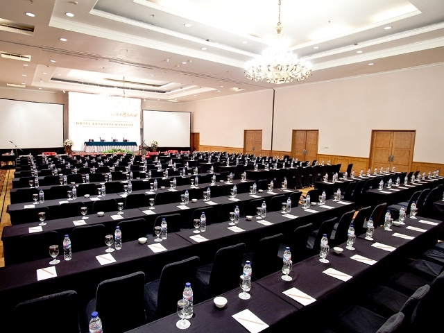 Alamanda Ballroom Hotel Aryaduta Makassar available for meeting, gathering, birthday and social activities