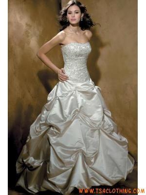 Stijlen Betaalbare trouwjurken 2012 voor alle bruiden
