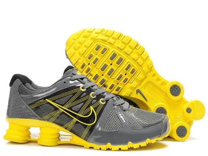 https   www.sportskorbilligt.se  1683   Nike Shox Turbo 21 88711c815