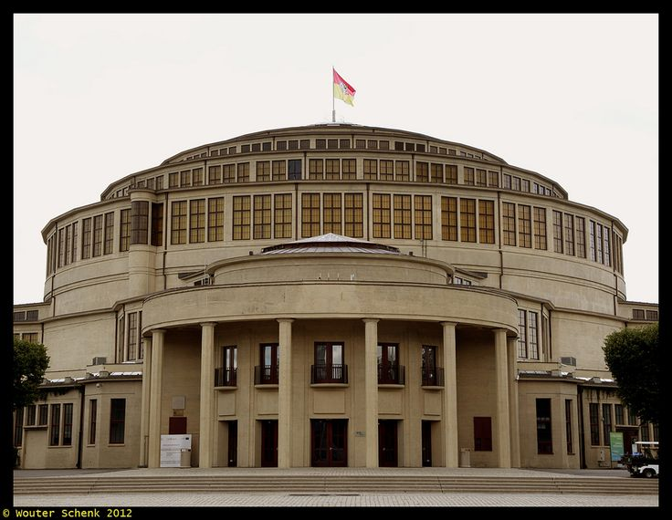 https://flic.kr/p/d2ccyh | Hala Stulecia | The Centennial Hall (German: Jahrhunderthalle, Polish: Hala Stulecia or Hala Ludowa) is a historic building constructed in Wrocław (Breslau) in 1913, architect Max Berg, when the city was part of the German Empire. It was listed as a UNESCO World Heritage Site in 2006.