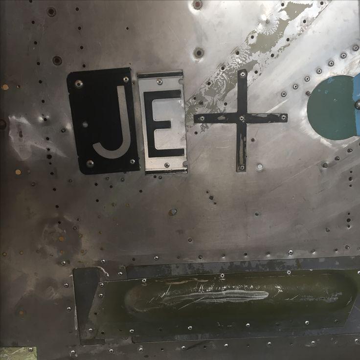 Jet collective , raglan