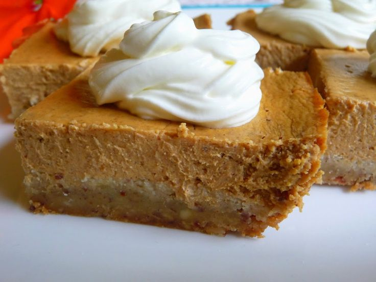 SOUR CREAM PUMPKIN CHEESECAKE BARS - LOW CARB