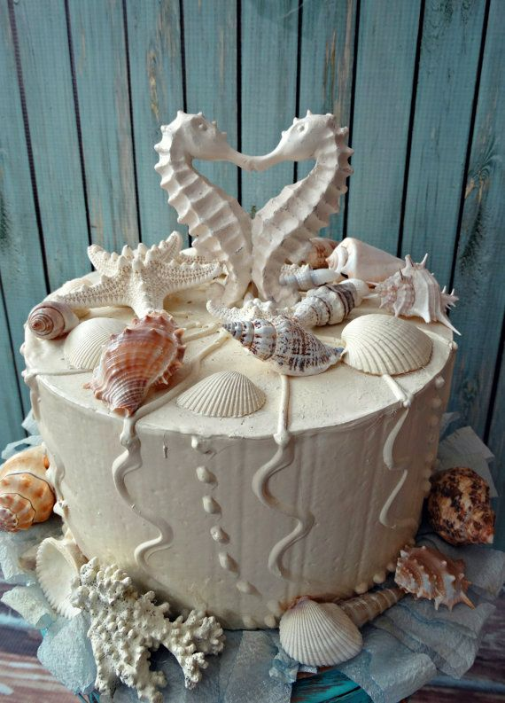 seahorse-wedding-cake topper-distressed-kissing-seahorse cake