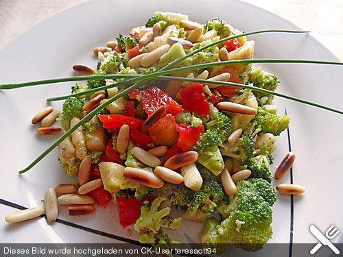 brokkolisalat ein sehr leckeres rezept aus der kategorie fr chte bewertungen 14 durchschnitt. Black Bedroom Furniture Sets. Home Design Ideas