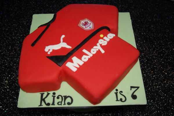 Cardiff Football Shirt Birthday Cake