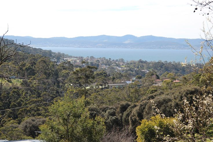 A view of Taroona, where the Novel Writing Retreats Australia property is located.   For more about the local area around the Novel Writing Retreats Australia property, see http://www.novelwritingretreatsaustralia.com/p/location.html.