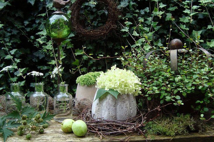 Grün - Weiß - Dekoration - Wohnen und Garten Foto