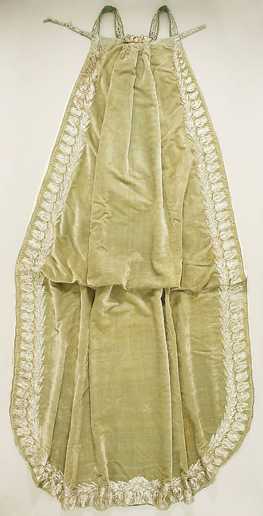 Court train, French, 1809. Made of silk and metallic thread.