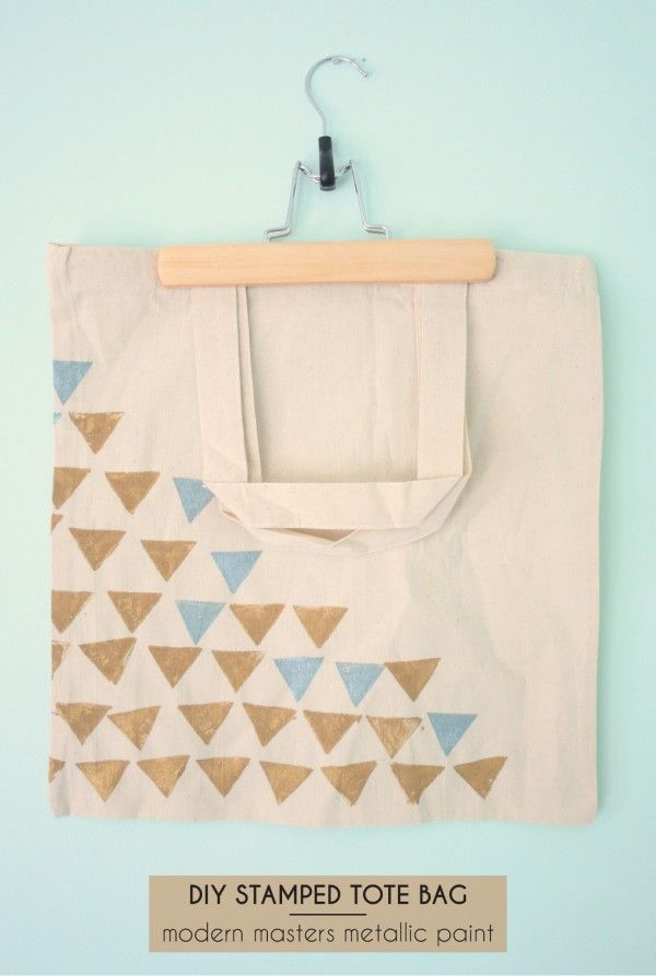 A little bit of color shimmer and a modern, homemade design is the creative recipe for this Stamped Tote Bag! An easy, elegant project by Dream Green DIY with our Metallic Paint Collection!
