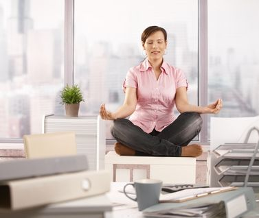 minimalist monday 5 easy habits to help minimize