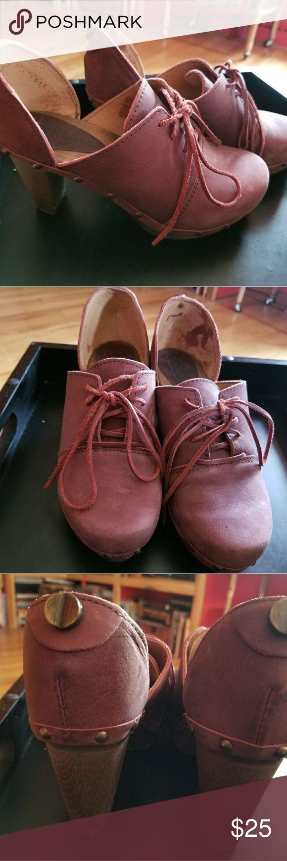 Sanita Clogs Chunky heeled wooden platform booties Wine colored cordovan Sanita Clogs Chunky heeled wooden platform booties Sanita Shoes Mules & Clogs